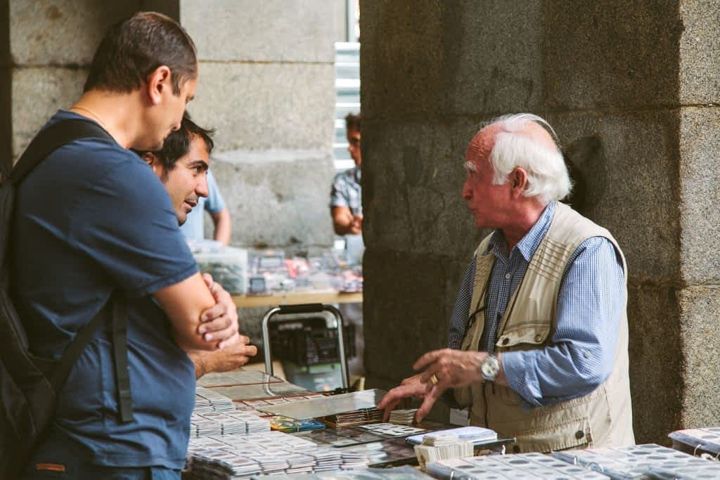 seller in Plaza Mayor