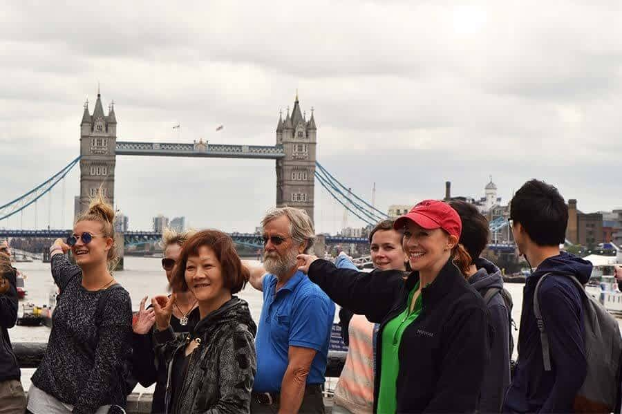 Free London Landmarks Tour – South. Customers 5