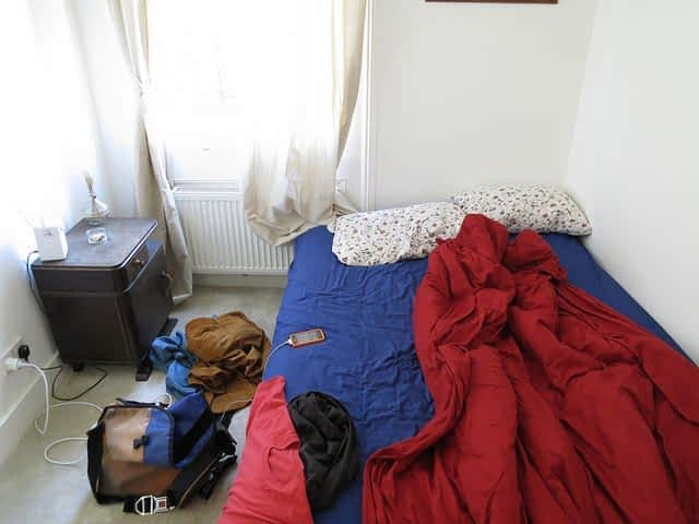 Clapham CHeap Airbnb Bedroom