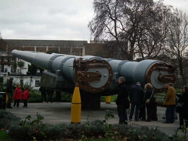 Cannons Imperial War Museum