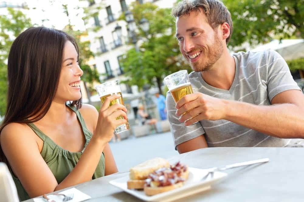 Couple eating Tapas in Barcelona